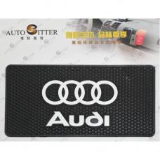 Коврик противоскользящий Audi